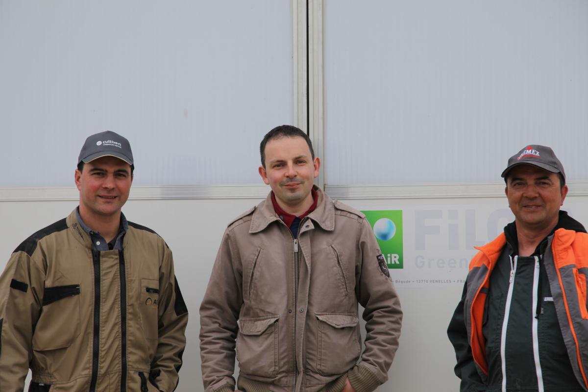 Erwan et Dominique Soyer avec Julien Amiry, leur technicien Cultivert