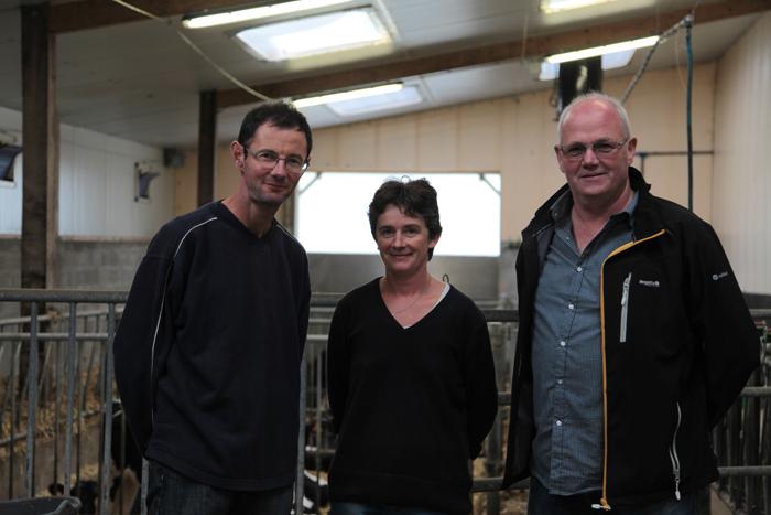 Thierry et Sandrine Bourveau, accompagnés de Jacques Cosmao, technicien Cultivert sur Quimper.