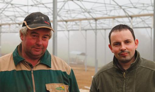 Yves Le Bihannic, éleveur laitier au Vieux Bourg avec Julien Amiry du Cultivert de Mûr de Bretagne.