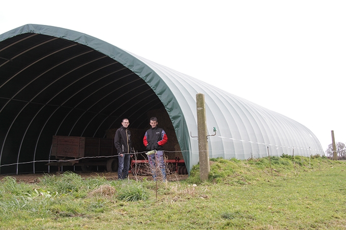 Tunnel une solution conomique pour le stockage cultivert for Tunnel agricolo permessi
