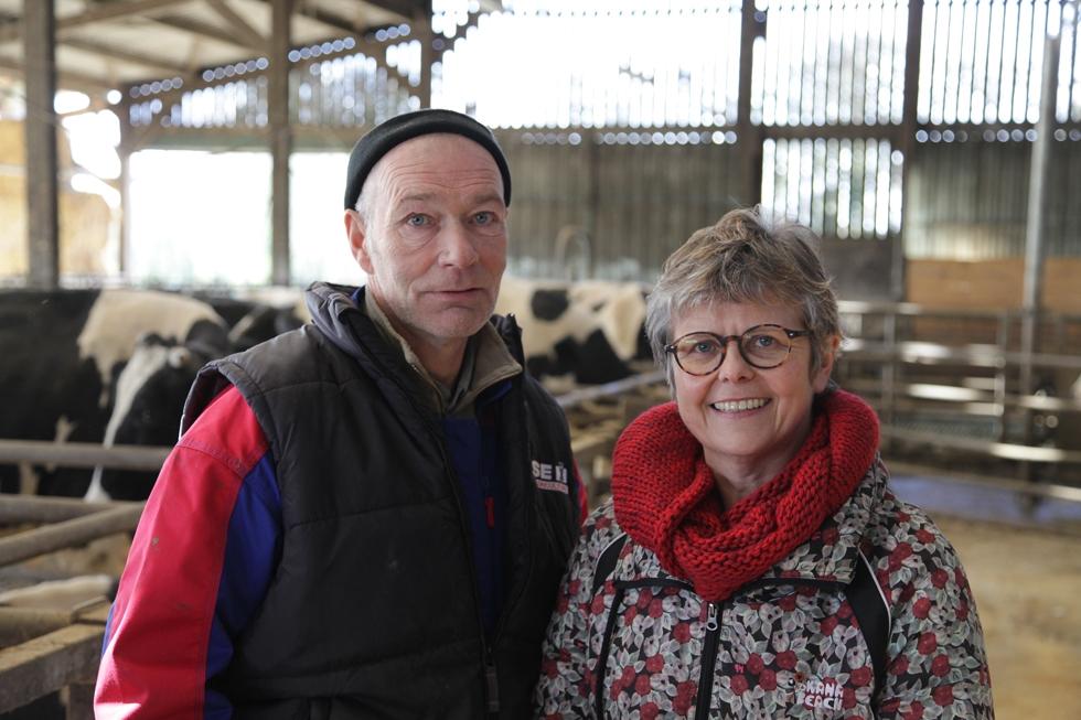 Josette Clément, coordinatrice produits élevage chez Triskalia avec Dominique Léo, producteur laitier au Cambout